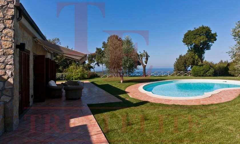 Panoramic villa with the swimming poll in Casteglione della Pescaia