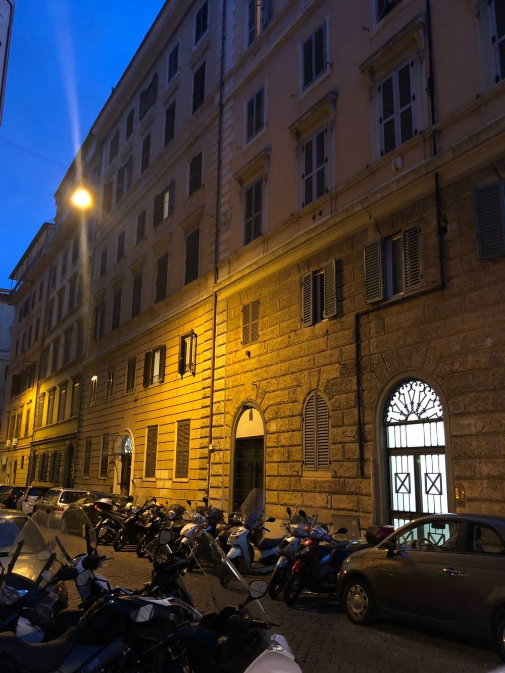 Investment offer. Apartment in the center of Rome with a rental yield