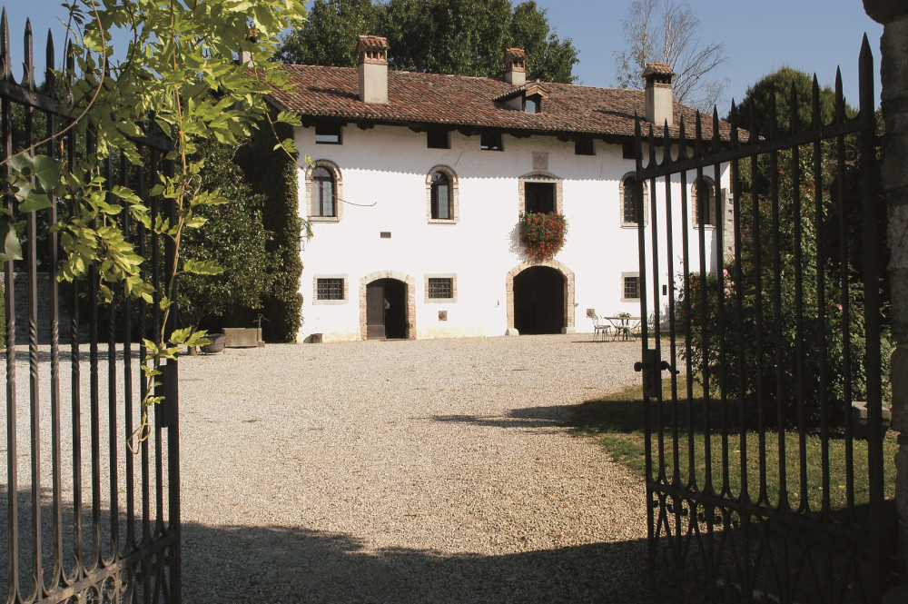 Unique 15th-century manor