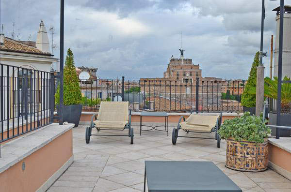 PENTHOUSE IN THE CENTER OF ROME