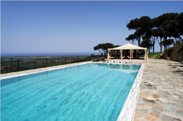 Exclusive vacation in a medieval castle in the south of Tuscany near the sea