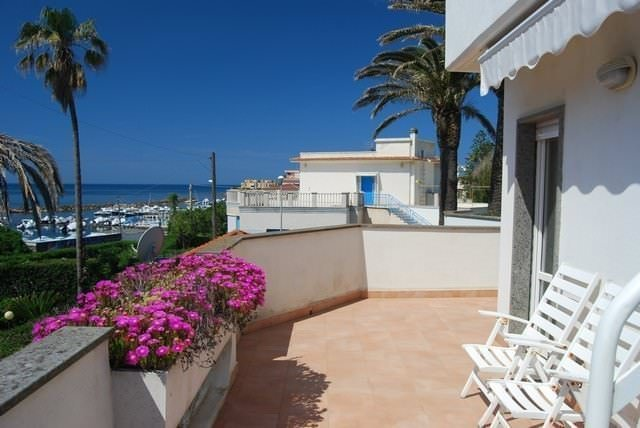Beautiful villa with sea view in Santa Marinella