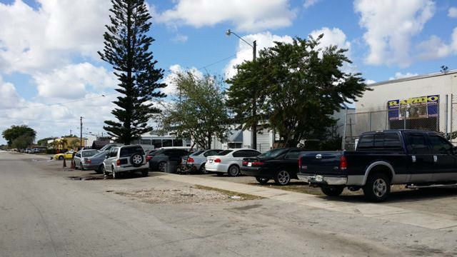 Warehouse for sale in Miami