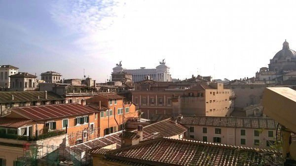 Panoramic penthouse in the center of Rome