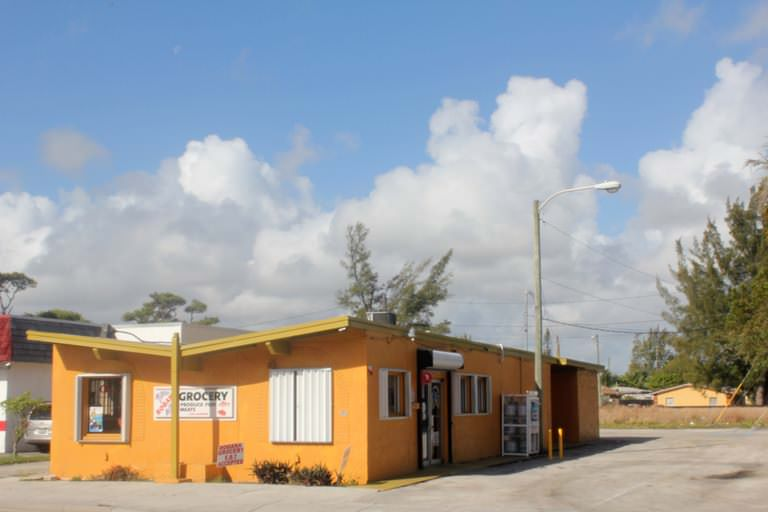 Commercial offer in Lake Worth