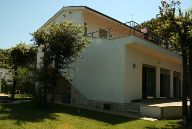 Modern villa on seaside in Anzio