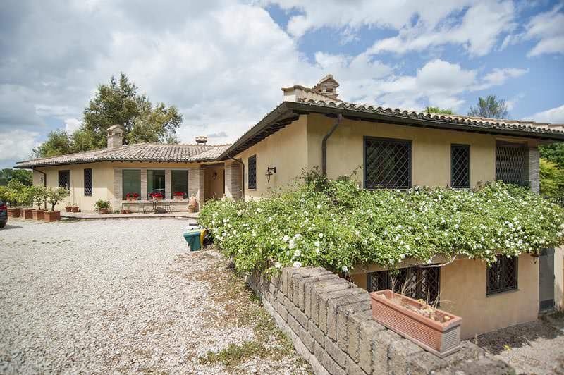 Villa in Campagnano di Roma – Urgent SALE!!! PRICE FALL!!!