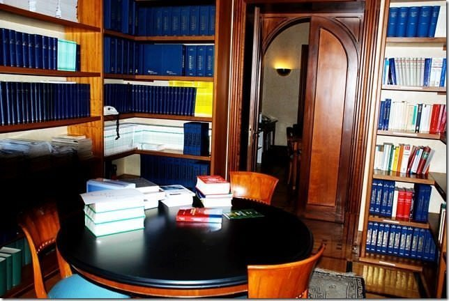 Prestigious offices in center of Rome