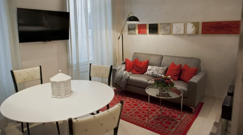 ELEGANT APPARTMENT IN  PIAZZA DEL POPOLO