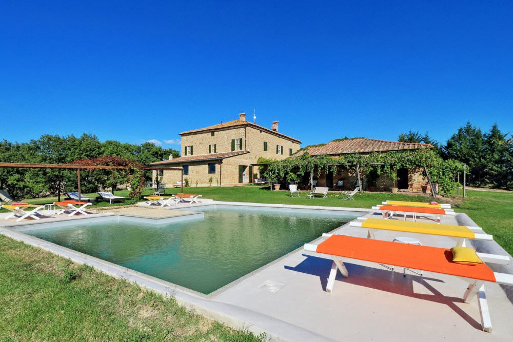 Luxury traditional manor in Tuscany
