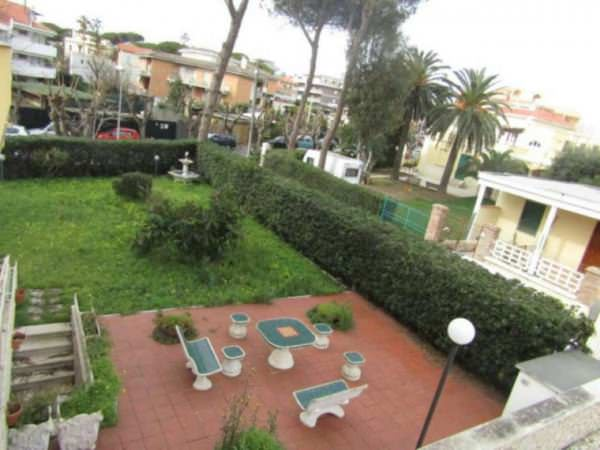 Villa with the sea view in Santa Marinella