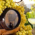 wine-barrel-grapes
